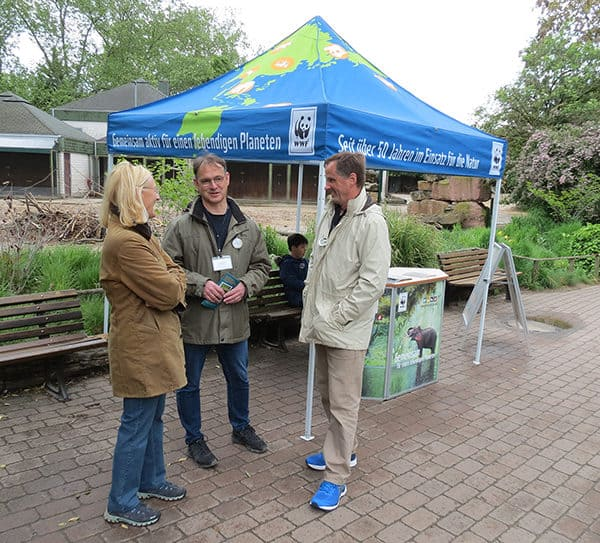 Im Gespräch mit dem WWF (Foto: Zoo Heidelberg)